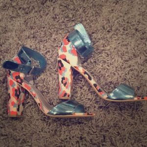 Adorable block heels!